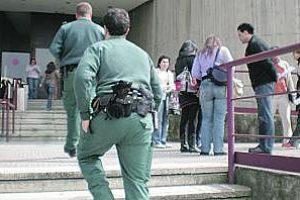 Protestas en Teletech por el despido de dos enlaces de la CGT