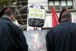 Concentración CGT contra la visita del Papa a Barcelona (6 nov)