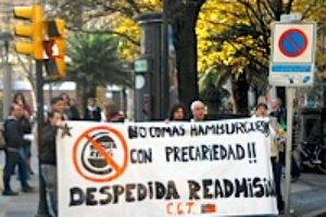 Solidaridad con Noelia, despedida del Burger King de Gijón