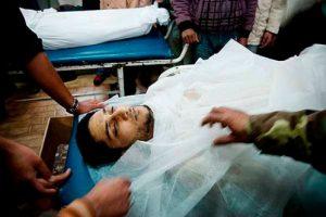 Aumenta la cifra de víctimas civiles en Libia; las fuerzas de Gaddafi atacan Misurata
