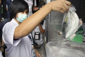 Japón enfrenta temores por agua contaminada con radiación