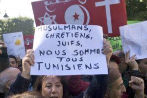 Manifestaciones en Túnez, pidiendo la dimisión del gobierno