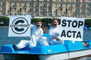 España y otros 21 países europeos firma el Tratado Acta
