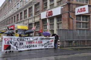 Concentración en Trapagarán en solidaridad con la lucha en AAB-Eulen de Córdoba