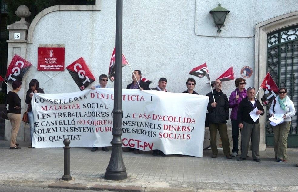 Valencia: Concentración CGT en Bienestar Social