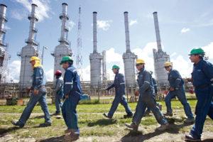 La extracción de gas acorrala a los indígenas
