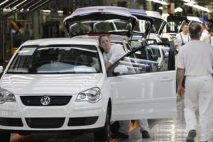 CGT abandona la mesa negociadora del convenio de VW