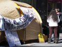 Valladolid, campada de Stop Desahucios a la puerta de varios bancos