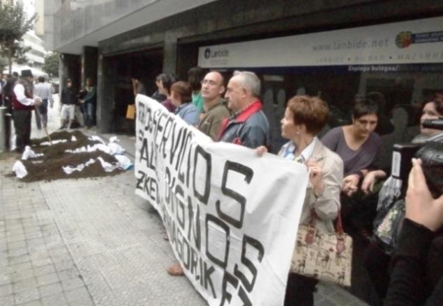 Movilización en Bilbo contra los recortes del Gobierno Vasco y Lanbide