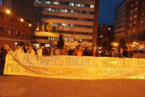 En el «Día contra la Pobreza» movilización ante el Ayuntamiento de Barakaldo