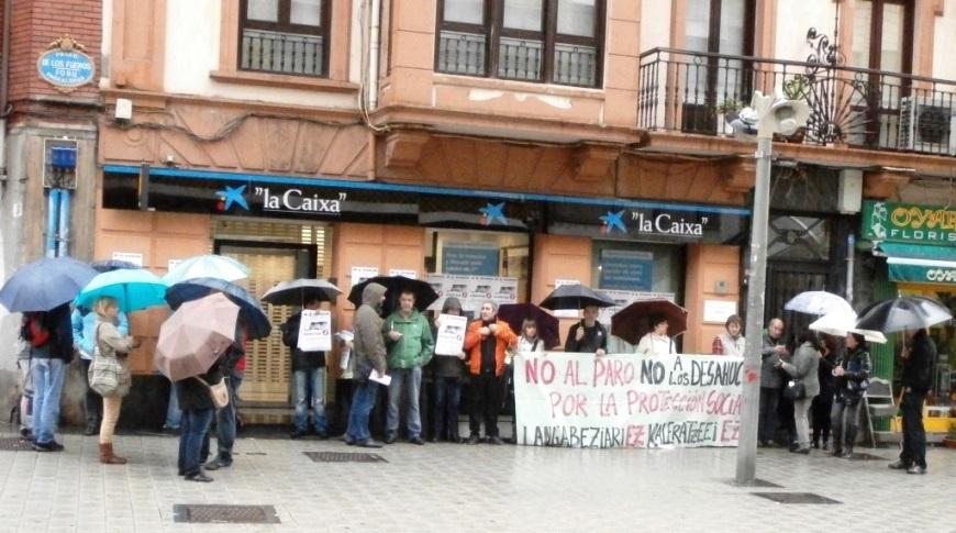 Movilización en Barakaldo en el aniversario del suicidio de Amaia Egaña cuando iba a ser desahuciada