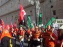 Los trabajadores del 061 protestan en Sevilla contra los recortes