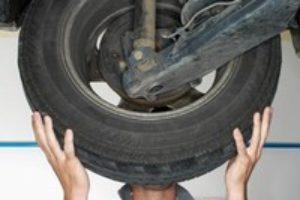 [Vídeo] Las empresas de automoción dañan y perjudican la salud de los trabajadores