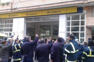 Se intensifican las protestas, movilizaciones y cortes de calle en las Unidades de Reparto de Correos en Castelló