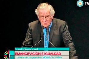 Entrevista a Noam Chomsky explica aislamiento de EEUU