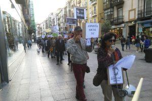 [Fotos] Pasacalles amordazado contra las Leyes Mordaza y por la Amnistía Social