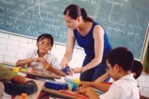 La Conselleria de Educación sigue recortando a las educadoras de educación especial