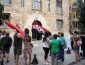 [Fotos] Las educadoras se concentran ante el Palau de la Generalitat para reivindicar condiciones dignas