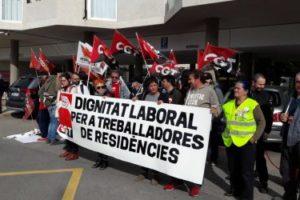 Nueva concentración de la plantilla de la Residencia de Personas Mayores Dependientes de Borriana para exigir más personal