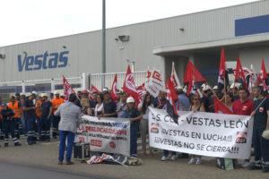 Vestas cierra su fábrica de Villadangos del Páramo (León) y deja en la calle a 370 personas: No lo vamos a permitir
