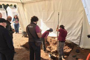 Empieza la exhumación de los cuerpos de la fosa común del cementerio civil de Castelló