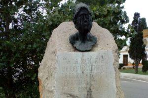 Los fascistas atacan el monolito a la memoria de las víctimas del franquismo en Castelló