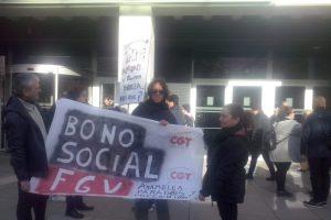 [Fotos] Reivindicación en Valencia de un bono social de transporte público