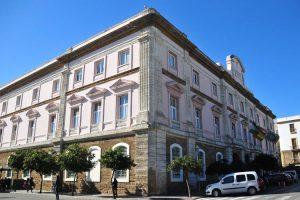 CGT exige a la Diputacion de Cádiz que cumpla la sentencia que le obliga a rebaremar la bolsa de trabajo de personal auxiliar de geriatría y no contratar de manera fraudulenta a través del SAE