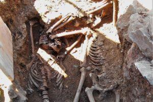 Higuera de la Sierra: Continúan los trabajos de exhumación