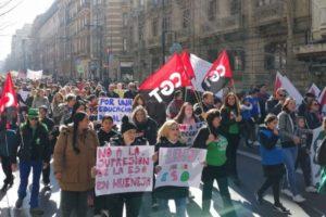 Sindicatos, familias y alumnado se unen para defenderse de los recortes planteados por el consejero Imbroda y su delegado en Granada