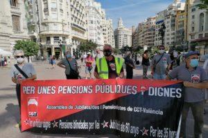 Cientos de personas se concentran en defensa de lo público