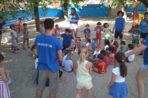 El Ayuntamiento de Granada pretende contar con monitores a 5 euros el mes para sus actividades de infancia y mayores