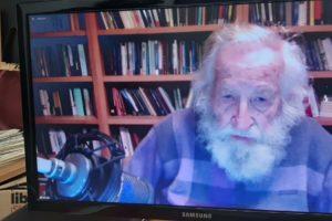 Noam Chomsky da el pistoletazo de salida a las Jornadas Libertarias de CGT València