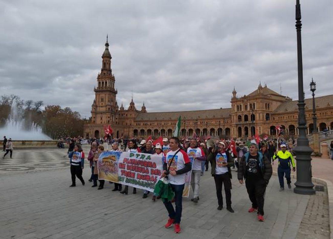 Se cumple el primer aniversario de la llegada de PTRA (Plataforma por el Tren Rural Andaluz) a Sevilla culminando las etapas de las marchas iniciadas en Bobadilla el 12 de octubre 2019