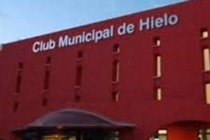 La plantilla del Club de Hielo de Benalmádena exige al Ayuntamiento el cobro de sus salarios, sus puestos de trabajo y la inmediata apertura al público de las instalaciones deportivas