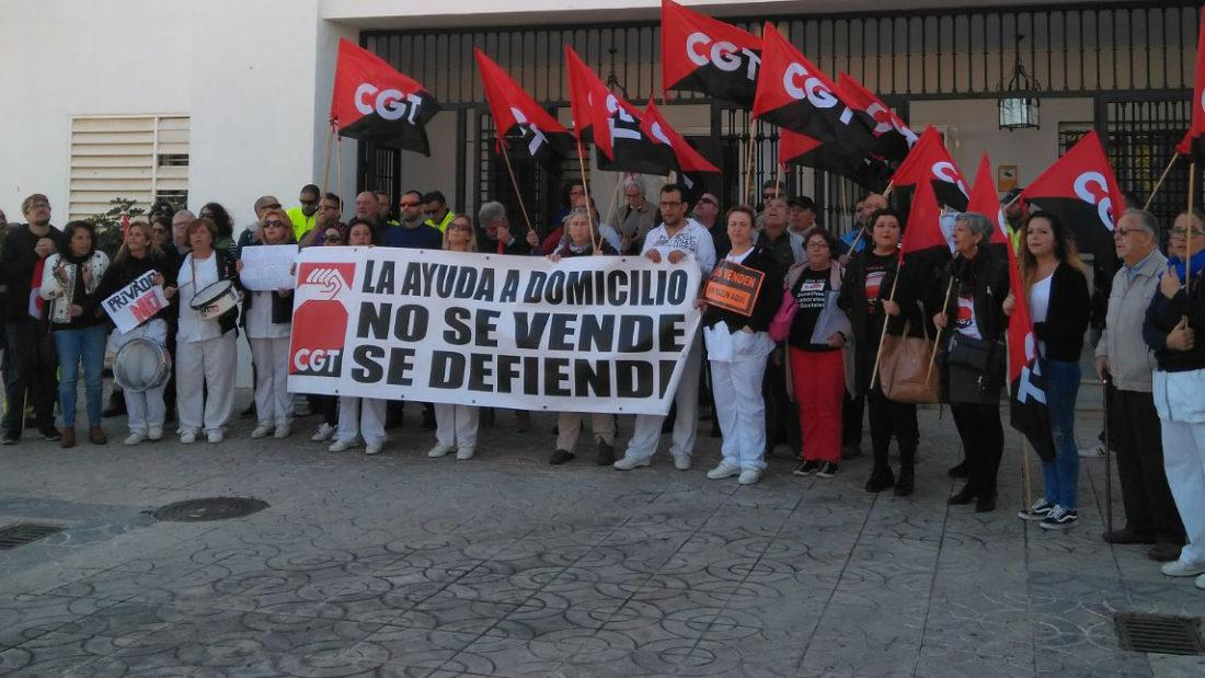 La subida del precio hora de la Ayuda a Domicilio en Andalucía solo son fuegos artificiales para que no se vea la realidad oculta