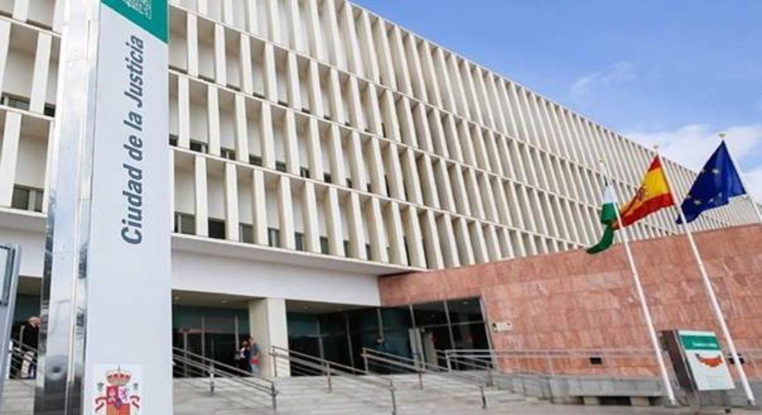 Presentada en la Fiscalía de Málaga la denuncia de CGT sobre la vacunación del gerente de EPES 061 y la directora en Málaga