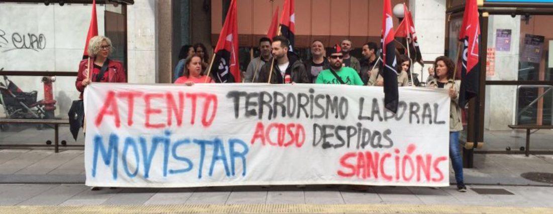 Concentración contra os despedimentos e a represión en Atento