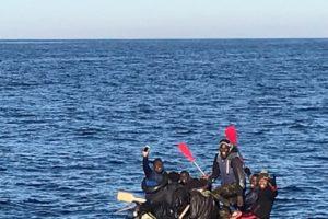 CGT denuncia el peligroso rescate de este jueves en aguas de Tarifa, donde 9 personas han estado a punto de perder la vida tras volcar el bote en el que viajaban