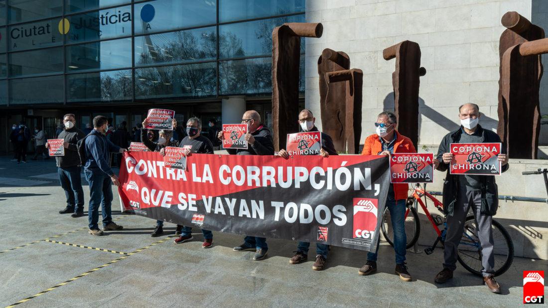 CGT se concentra para que se haga justicia en el caso de la ex directora de Función Pública