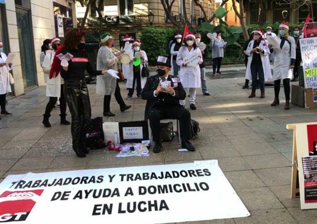 Las trabajadoras de Ayuda a Domicilio ante las mentiras de la consejera, Rocío Ruiz, sobre el sector