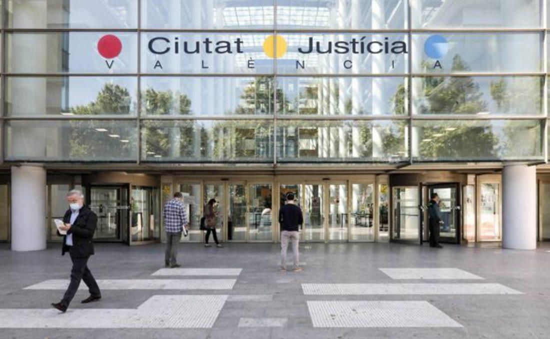CGT-PV solicita 6 años de prisión a la ex directora general de Función Pública del Consell con el PP