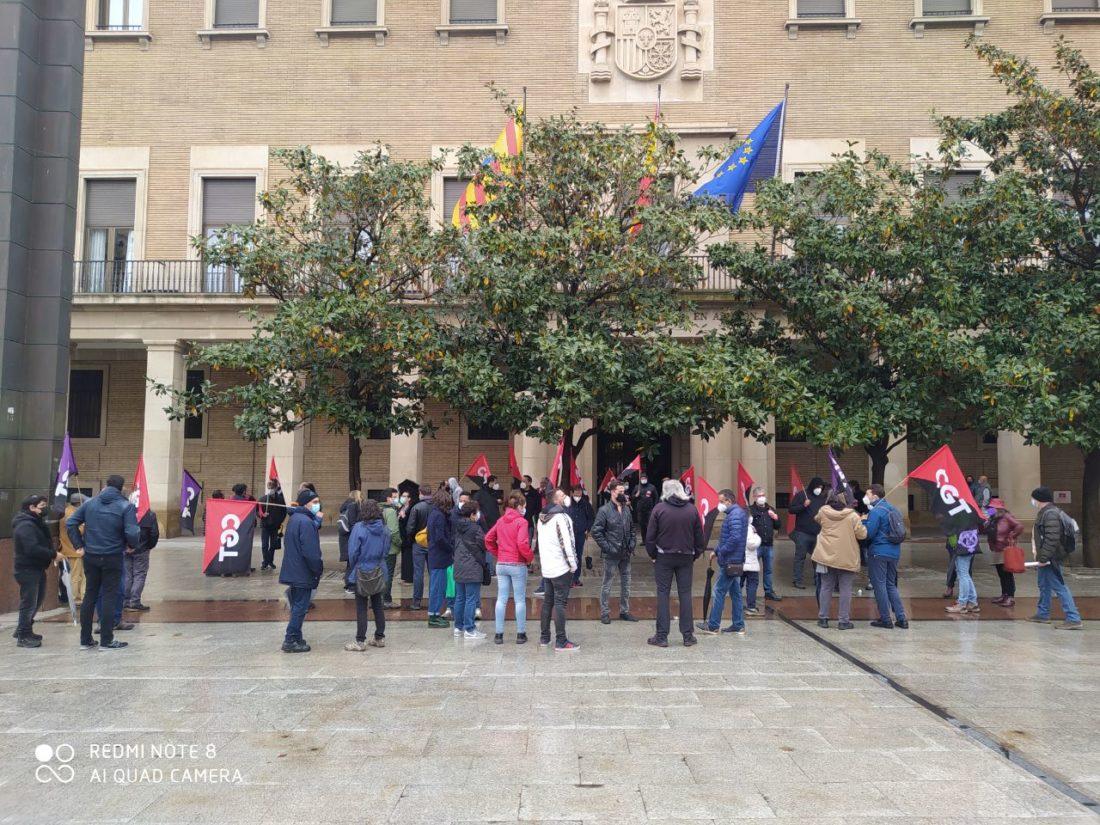 Un centenar de personas se concentra por la derogación de la Reforma Laboral en Zaragoza