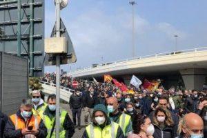 Apoyo total a los trabajadores de Alitalia