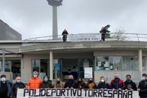CGT participa en el encierro en el polideportivo Torrespaña para impedir que el consistorio madrileño lo privatice