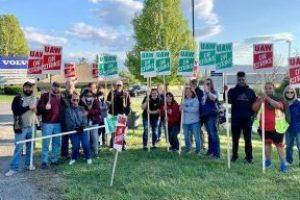 EEUU | Solidaridad con los y las huelguistas de UAW en Volvo Trucks, en Dublin (Virginia, EEUU)