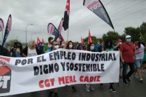 Masiva manifestación contra el cierre de Airbus Puerto Real en Cádiz