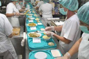 CGT denuncia amiguismos y puestos fantasma en Cocina del CHUAC