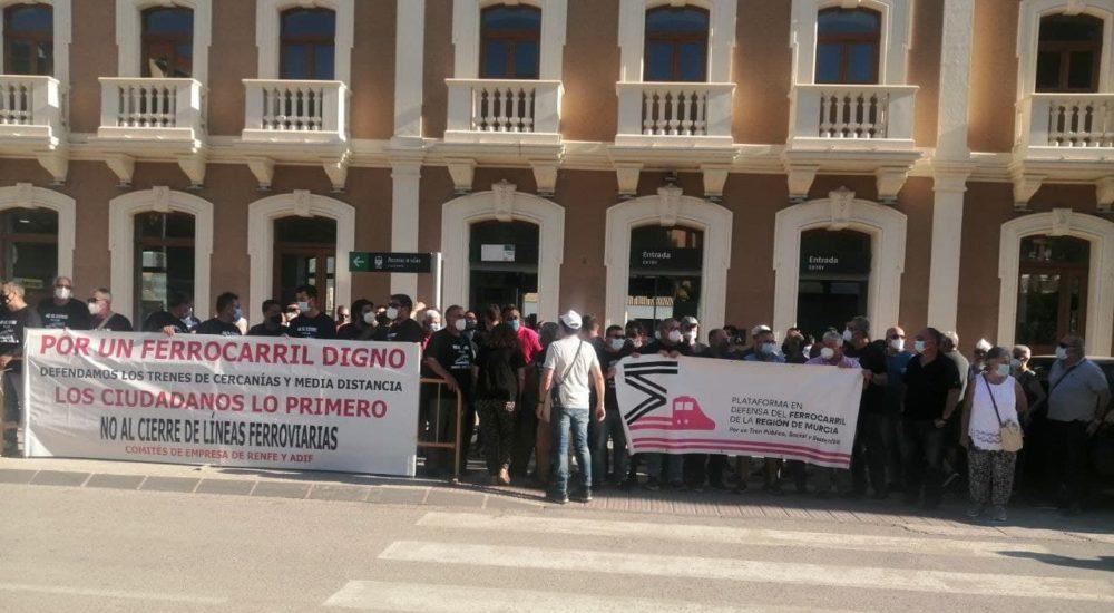 El sindicato CGT llama a la movilización contra el cierre de la línea de cercanías Murcia-Águilas y a luchar por un ferrocarril público, social y sostenible en la manifestación del próximo 25 de septiembre